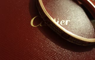 Cartier love bracelet el tamano es 19.