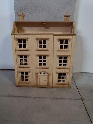 casita madera muñecas