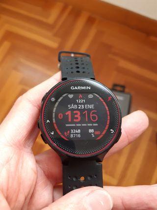 Reloj Garmin Forunner 235