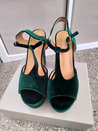 zapato tacon verde botella