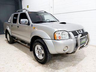 Nissan Nevara doble cabina 4x4