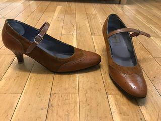 Zapatos yanko marrones talla 38