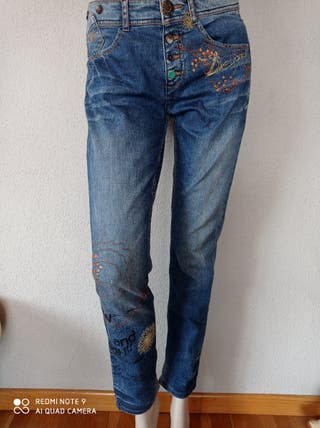 pantalón, DESIGUAL
