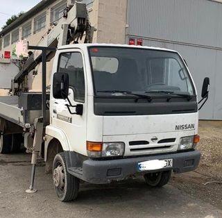 Camion Cesta Nissan Capstar E 2001
