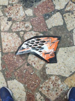 flaca lateral derecha KTM
