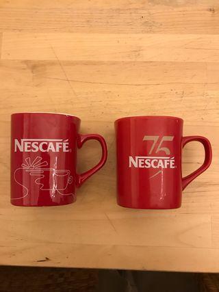 Tazas rojas Nescafé