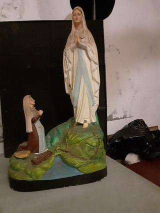 statues religieuses /apparition Lourdes