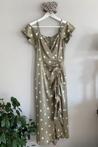 Vestido satén lunares de Zara