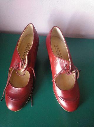 Zapatos flamenco piel color vino Begoña Cervera