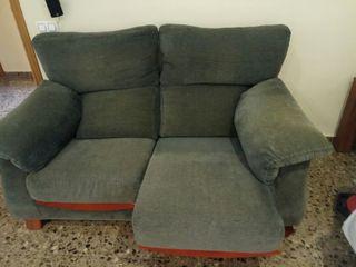 Dos sillones :1 de dos plazas y otro de 3plazas