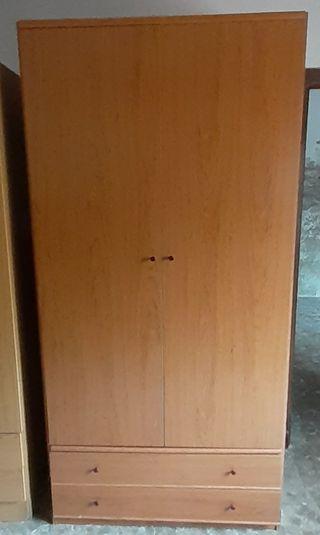Armario 2 puertas y dos cajones color cerezo