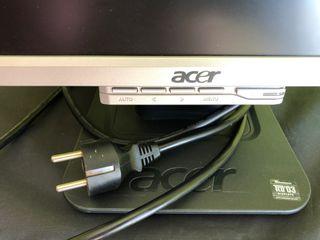 Monitor acer modelo 1716