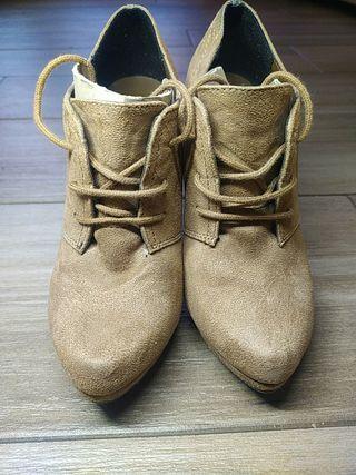Zapatos con tacón alto talla 37