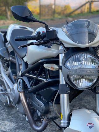 Ducati monster 696 A2