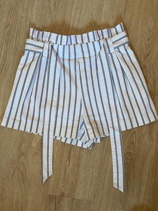 Short de rayas de Zara