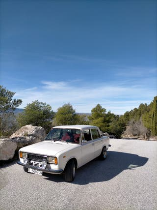 SEAT 124 1979