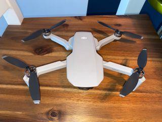 DJI Mavic Mini (solo dron + bateria)