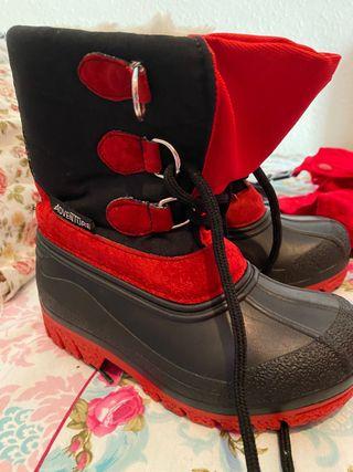 Mono nieve y descansos / botas