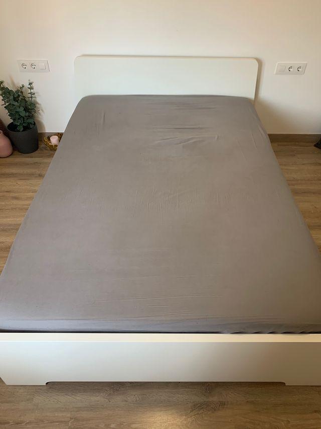 IKEA Cama y colchón (bed + mattress)
