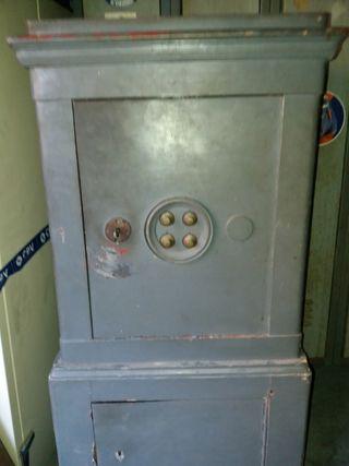 caja fuerte antigua