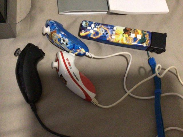 Consola Wii más dos juegos