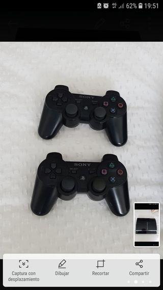 Ps3 con dos mandos y 8 juegos