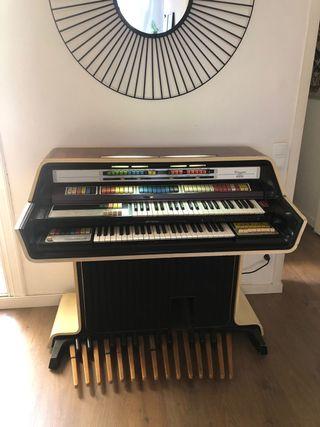 Organo Thomas 2001