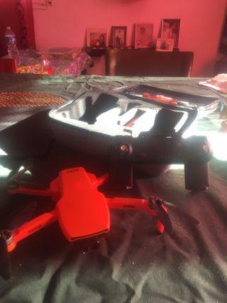 Dron sg108