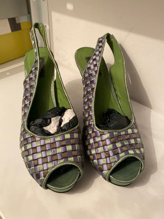 Zapato cuadros verde y morado