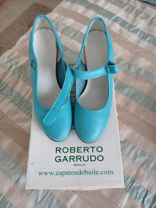 Zapatos baile de niña a mitad de su precio