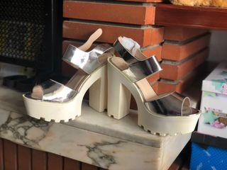 Zapato de tacon alto