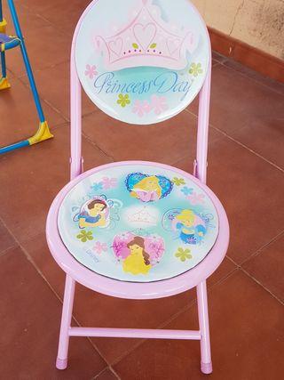 2 sillas infantiles plegables