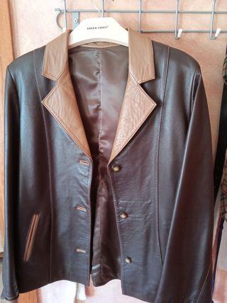 chaqueta de piel de mujer