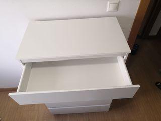 Cómoda IKEA 5 cajones blanca