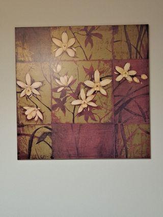 Cuadro de flores dorado y granate