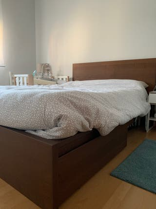 Estructura de cama Ikea con 2 cajones