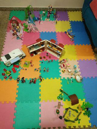 Gran lote de juguetes y sets de Playmobil.