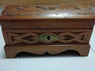 joyero madera antiguo hecho a mano