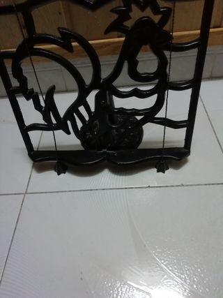 Atril de hierro
