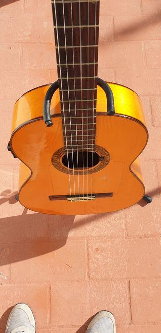 Guitarra flamenca de la casa Conde Hermanos