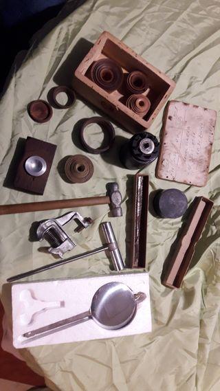 herramientas antiguas de relojeros