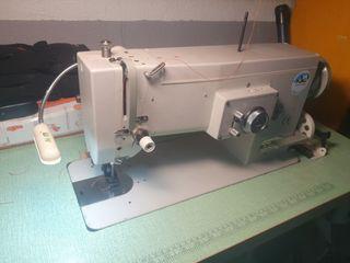 Maquina de coser doble arrastre zig zag