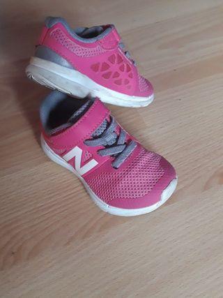 zapatillas número 22'5