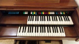 Organo vintage Lowrey Festival con Magic Genie