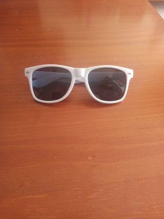 Gafas de sol blancas