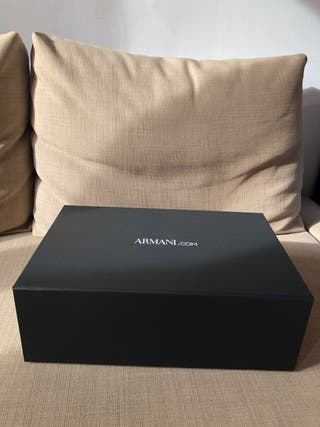 Caja de Armani original + regalo
