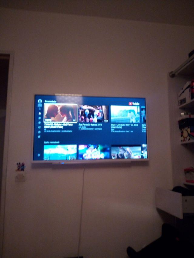 TV GRUNDIG Con wiffi Google , YouTube nuevo