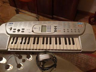 Órgano, teclado eléctrico CASIO