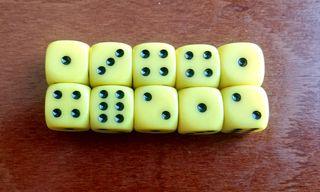 Pack 10 dados amarillos Warhammer 12mm