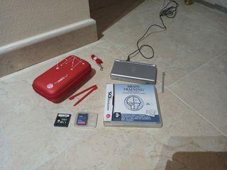 Nintendo DS + 2 juegos + estuche porta Nintendo